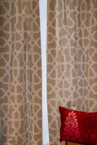 Zwei Schals (Breite pro Schal: 130 cm, Höhe: 290 cm) Sonderpreis für beide Schals: € 180,-